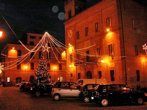 """Si accende nel centro storico la """"magia del Natale"""""""