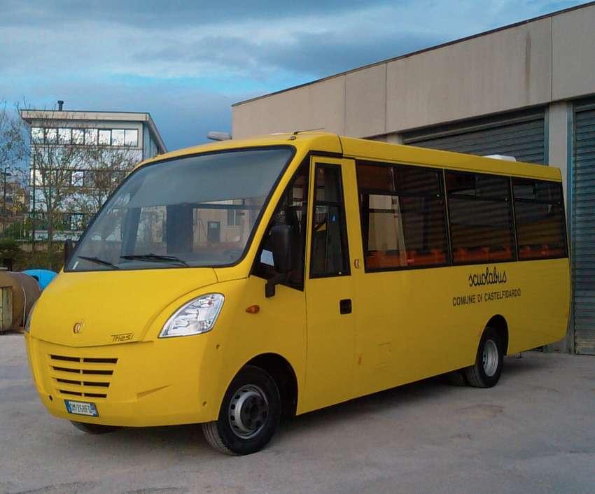 """Nuovo """"scuolabus"""" a metano"""