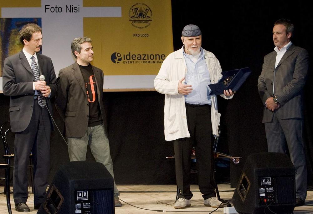 """Premio """"Voce d'Oro"""" a Moni Ovadia"""