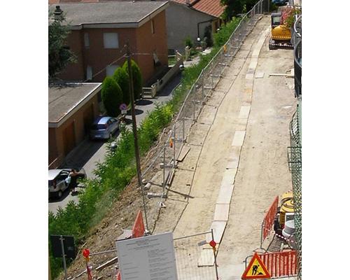 Parcheggi in via Battisti, lavori secondo programma