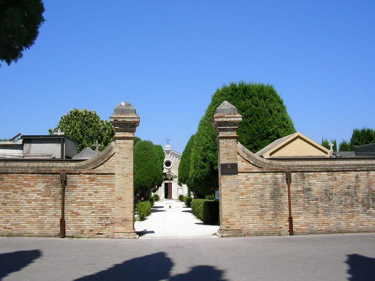 Civico cimitero, ampliamento in vista