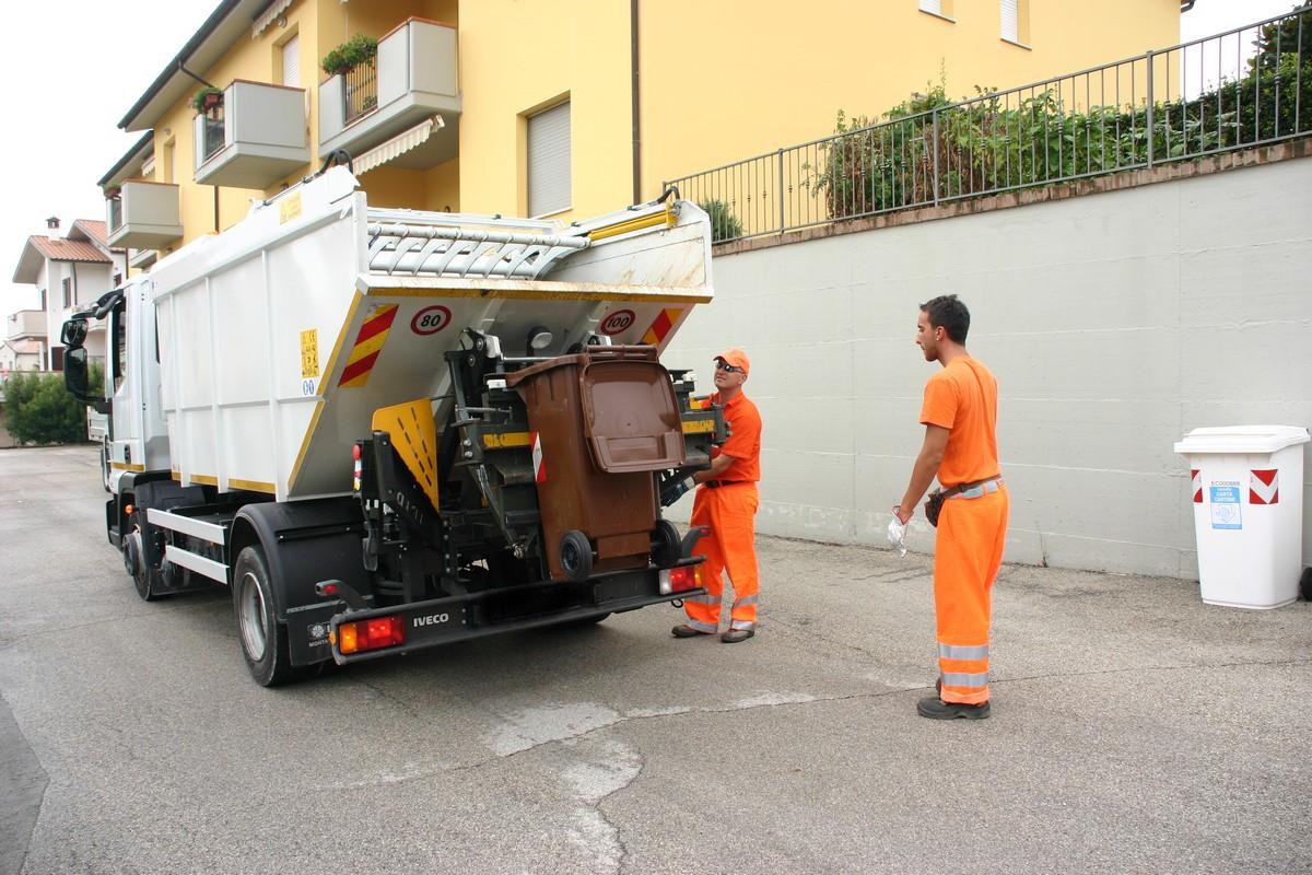"""""""Porta a Porta"""" attivo in zona Fornaci"""