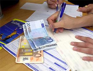 Contributi a lavoratori disoccupati e utenze domestiche