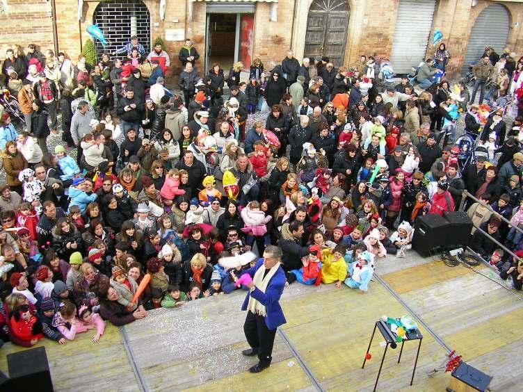 Carnevale Castellano, festa per centinaia di bambini