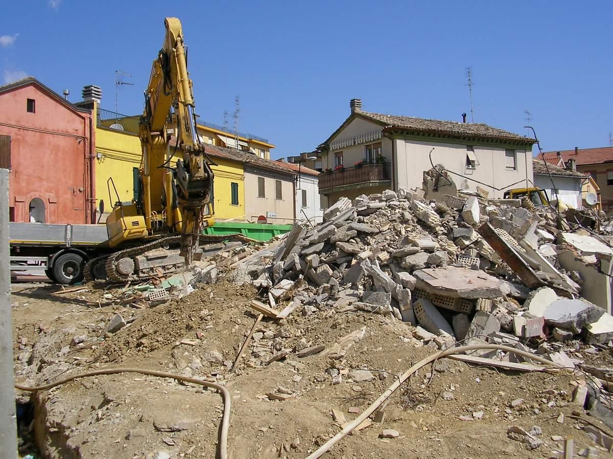 """""""Strettoia Fornaci"""", demoliti gli edifici"""