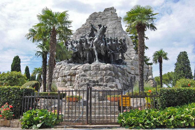 Gruppo bronzeo del Monumento, via al restauro.