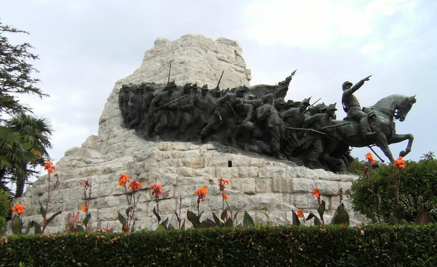 Gruppo bronzeo del Monumento, completato il restauro