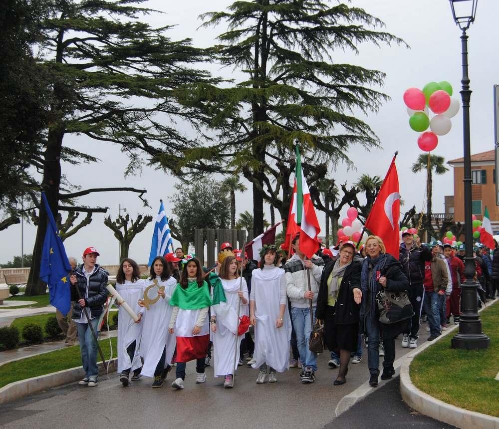 Festa tricolore per l`I.C. Mazzini