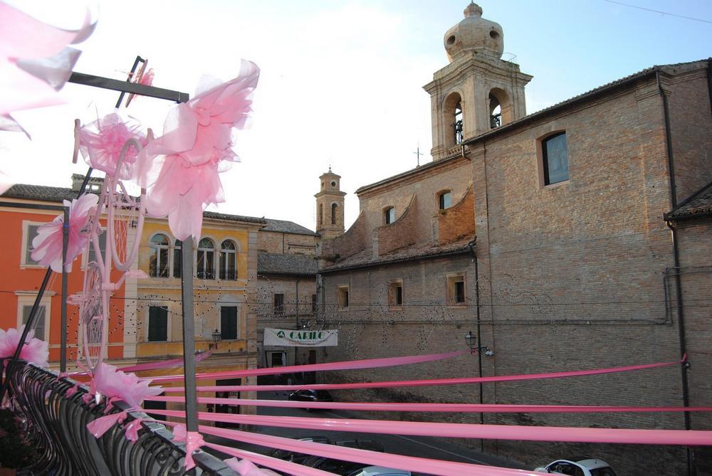 Castelfidardo si immerge nel rosa del Giro