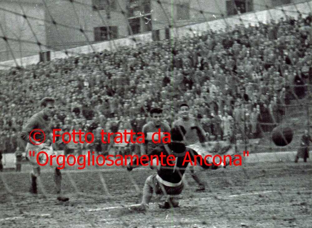 L`Ancona calcio a Castelfidardo 58 anni dopo