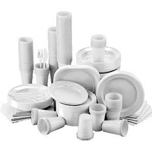 Piatti e bicchieri di plastica nella differenziata