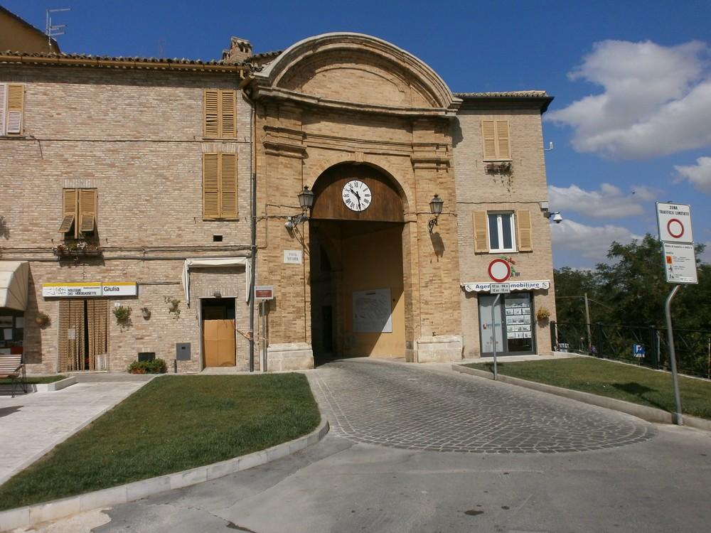 """Porta """"Vittoria"""", completato il restauro"""