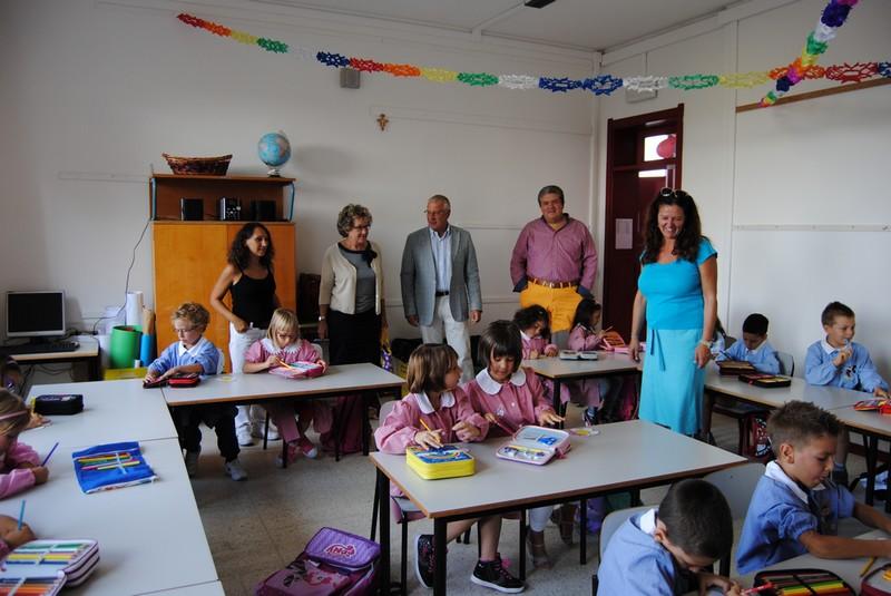 Primo giorno di scuola sindaco e assessore tra i banchi