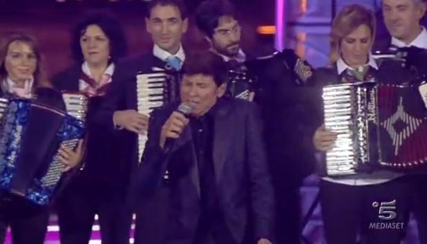 La fisarmonica suona con Gianni Morandi