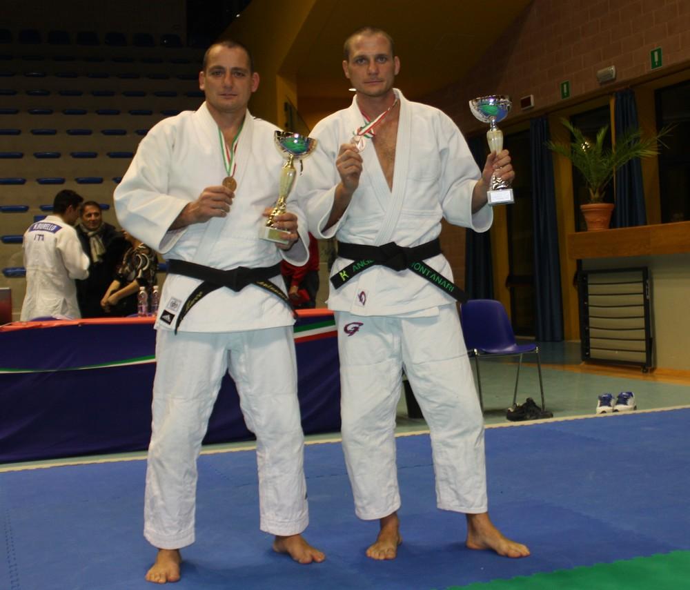 I fratelli Montanari conquistano il bronzo a squadre