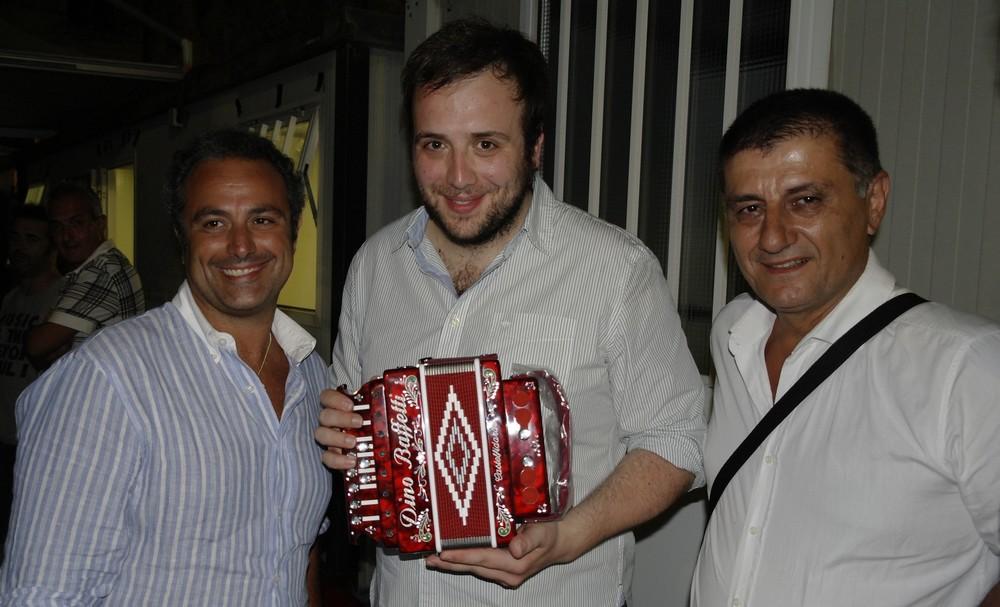 Un nuovo amico della fisarmonica, Raphael Gualazzi