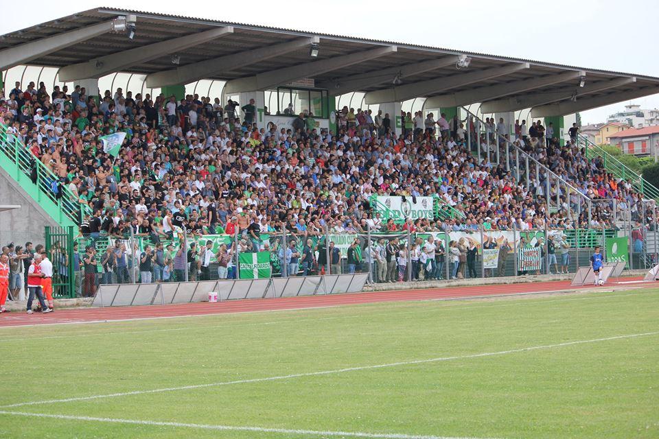 """Campo sportivo """"Mancini"""", arrivano le tribune"""