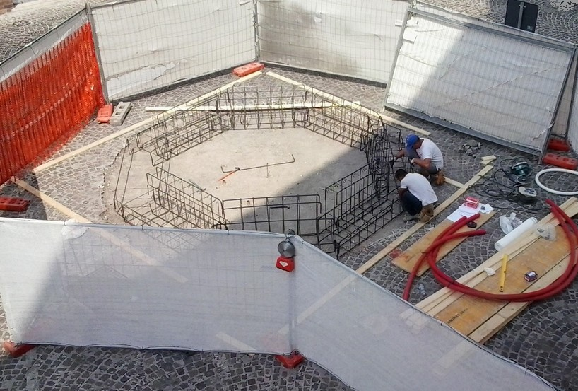 Fontana in piazza, cominciati i lavori