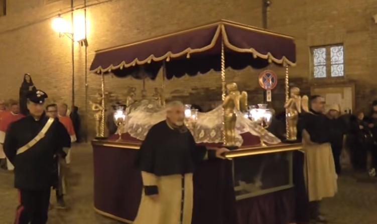 Venerdì santo, processione del Cristo morto