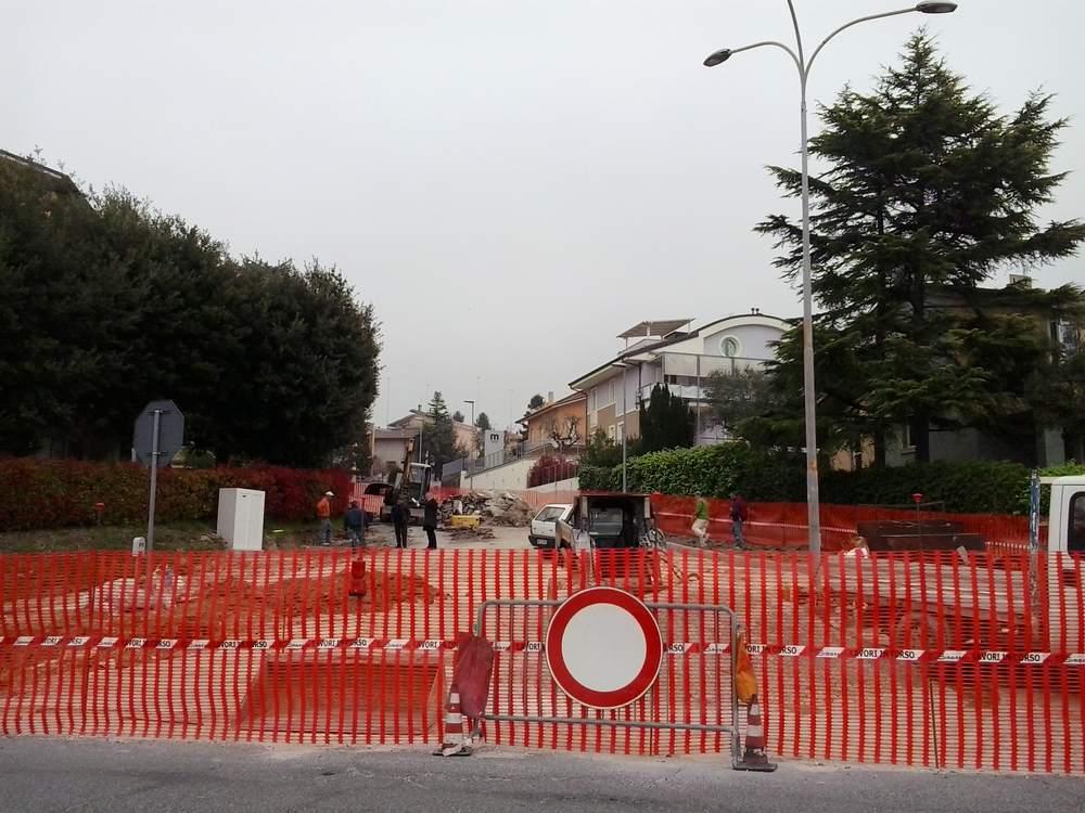 Rotatoria in via Torres, lavori in corso