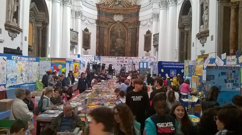 Si apre la mostra mercato del libro per ragazzi