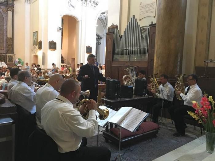 Brass orchestra, calde armonie in Collegiata