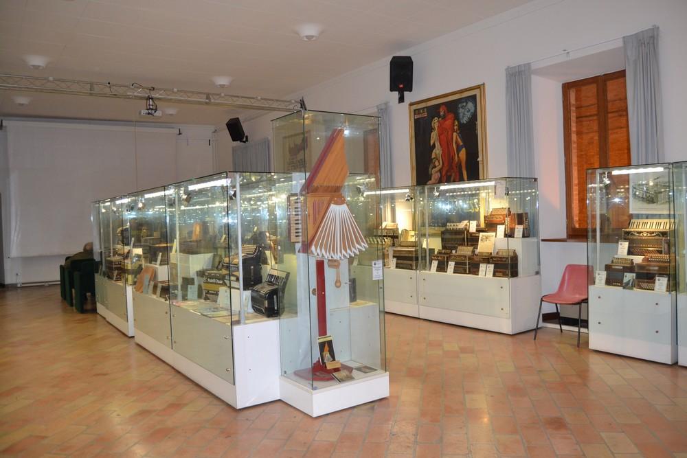 Museo della fisarmonica temporaneo in sala convegni