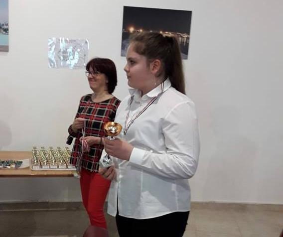 Raluca Gaitan, 1° premio al concorso di Giulianova